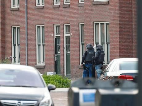 'Verwarde man' die leden arrestatieteam met bijl te lijf ging in Frederiklaan Eindhoven blijft in cel
