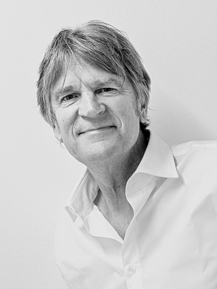 De Amersfoortse architect Jan Poolen neemt na 30 jaar afscheid van het platform voor architectuur en stedenbouw          FASadE.