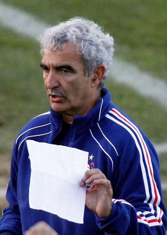 Raymond Domenech leidde Frankrijk tijdens het voor 'Les Bleus' dramatisch verlopen WK 2010 in Zuid-Afrika, toen interne twisten leidden tot de exit in de poulefase.