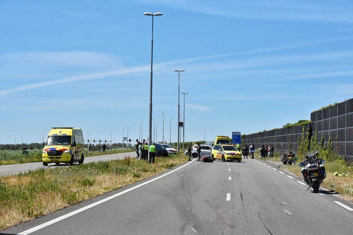 Ongeluk met twee motorrijders in Tilburg.