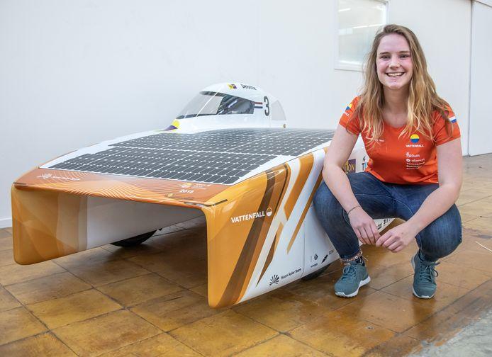 Maud Diepeveen uit Zwolle is teamcaptain van het Vattenfall Solar Team van de TU Delft.