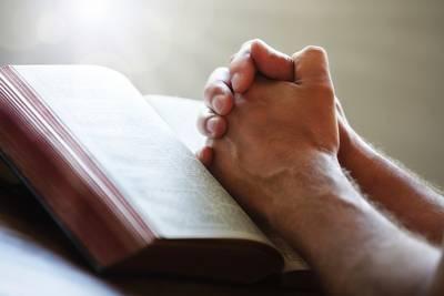 Nieuwerkerkse kerkgangers kunnen zondag de dienst buiten volgen