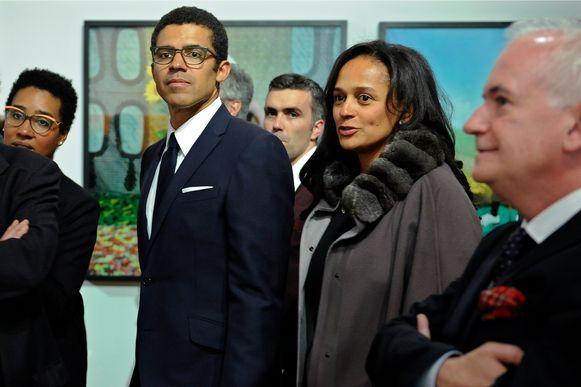 Isabel dos Santos en haar man Sindika Dokolo in 2015, bij de opening van een kunsttentoonstelling in Porto, Portugal met werken uit Dokolo's collectie.
