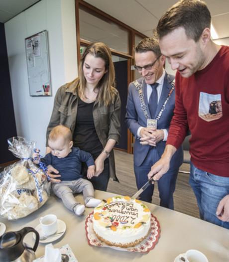 Mats van Zoggel 22.000e inwoner van Laarbeek