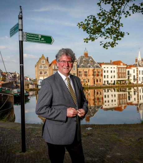 Burgemeester Edo de Haan sluit drugspand in Maassluis