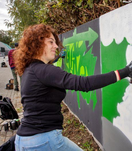 Graffitikunst bij tennisvereniging de Doornakkers