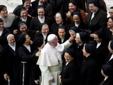 """Le Vatican évoque le sérieux """"burn out"""" des religieuses"""