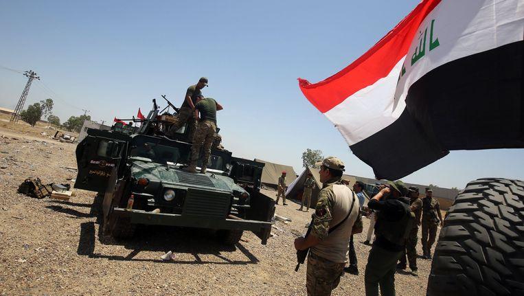 Het Iraakse leger bereidt zich voor op een militaire operatie in Fallujah. Beeld afp