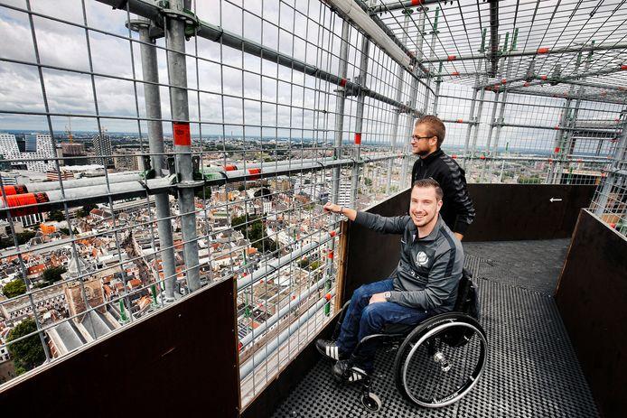 De lift biedt bezoekers een nieuwe mogelijkheid om de top van de Domtoren te bereiken. Nu kan echt iedereen genieten van het uitzicht, ook degenen voor wie de trap geen optie is.