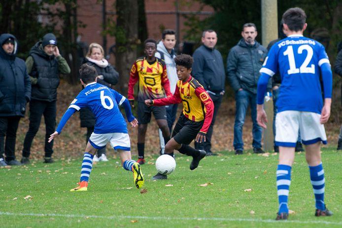 GOOR -   op voetbalvelden GFC wordt internationaal jeugdtoernooi gespeeld met clubs duitsland en belgie - spelmoment. MECHELEN - SCHALKE Editie: HE Foto: Lenneke Lingmont LL20181023