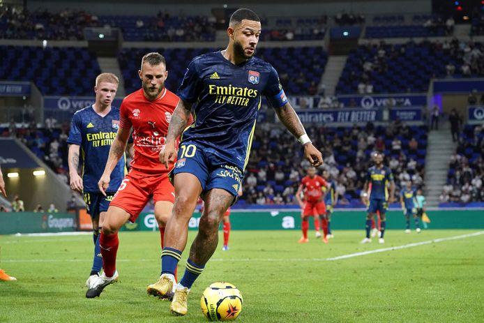 Memphis Depay in actie namens Olympique Lyon.