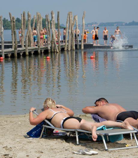 Geluidsoverlast en kapotte flessen op stranden in Zeewolde