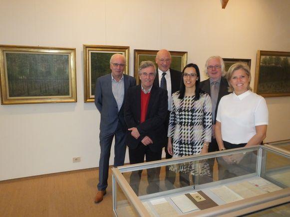De tentoonstelling over Albijn en Raf Van den Abeele is te bezichtigen op de bovenverdieping van het gemeentehuis van Sint-Martens-Latem.