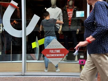 Winkels in Dordt smeken om personeel: 'Mensen willen niet meer werken in het weekeinde'