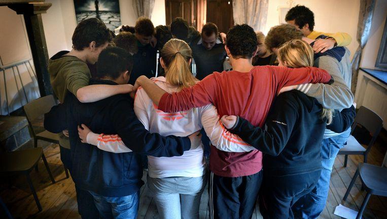 Groepstherapie voor jongeren. Beeld Marcel van den Bergh / de Volkskrant