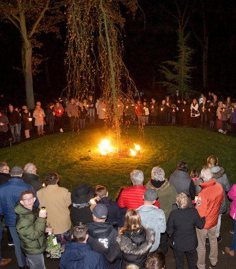 Lichtjesavond Begraafplaats Harten opnieuw drukbezocht