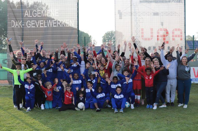 Voetbalclub KSK Sint-Amands verwelkomde de spelers van de Zuid-Afrikaanse club FC Riverside.