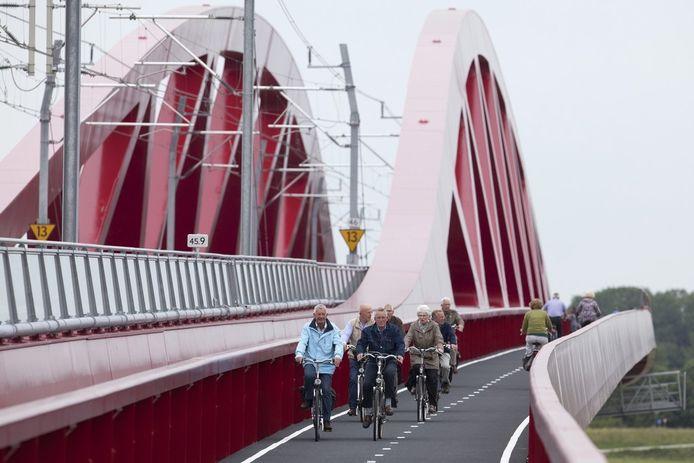Het fietspad langs de Hanzeboog is in gebruik. Foto Henri van der Beek