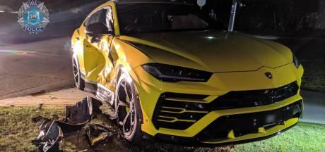 Veertienjarige crasht tegen Lamborghini Urus met gestolen auto