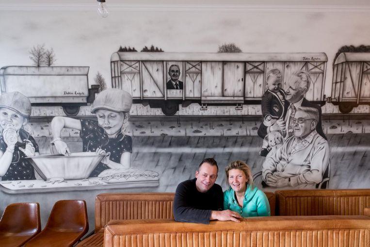 Pascal en Debbie fleurden hun frituur op met een prachtige muurtekening.