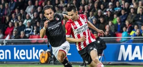 Tegenstanders PSV komen handen en voeten tekort om 'Chucky' af te stoppen