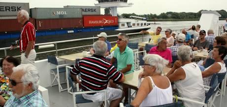 Ook bedrijventerrein Moerdijk boeit vanaf rondvaartboot Z8