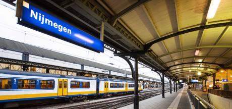 Conducteur slaat alarm, trein op station Nijmegen ontruimd