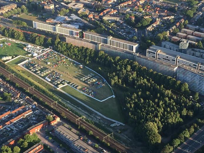 De studentencamping vanuit de lucht. Foto Wim Weijters
