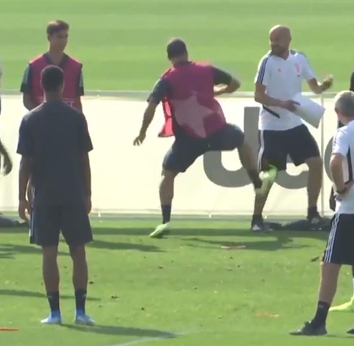 Les nerfs de Gonzalo Higuain ont lâché à l'entraînement de la Juve.
