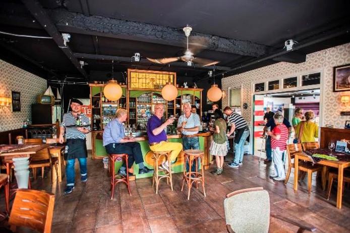 Het Kleine Café. Foto Jan van Eijndhoven