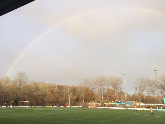 Geen pot met goud, maar wel drie punten voor sv Zwolle aan het einde van de regenboog.