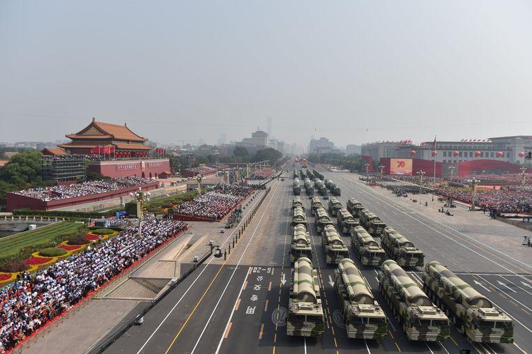 De militaire parade moet China van zijn machtigste kant laten zien.  Beeld null