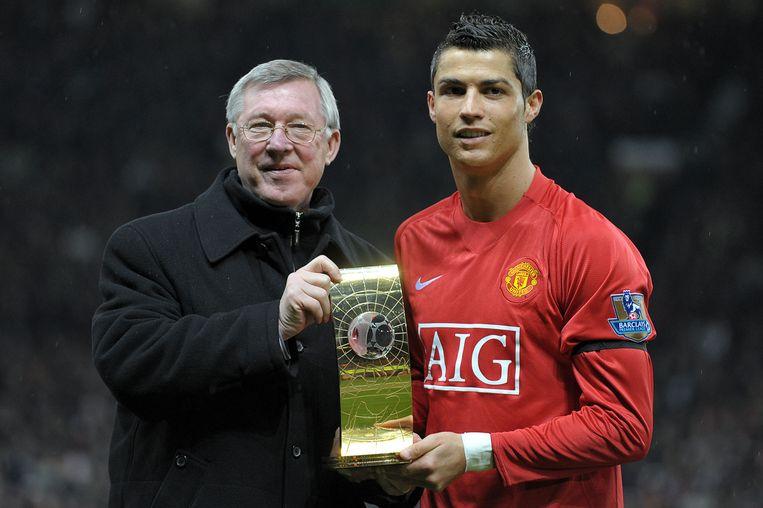 Cristiano Ronaldo naast 'voetbalvader' Alex Ferguson.