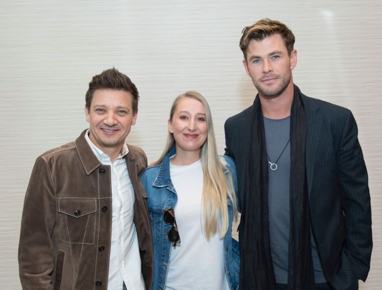 Jeremy Renner en Chris Hemsworth met onze vrouw in Hollywood, Kristien Gijbels.