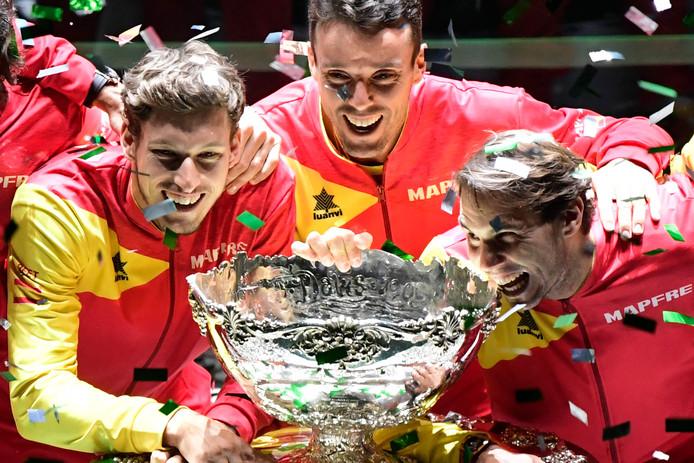"""La Coupe Davis """"new look"""" tient son premier vainqueur. Emmenée par Rafael Nadal, l'Espagne a empoché son sixième Saladier d'Argent devant son public."""