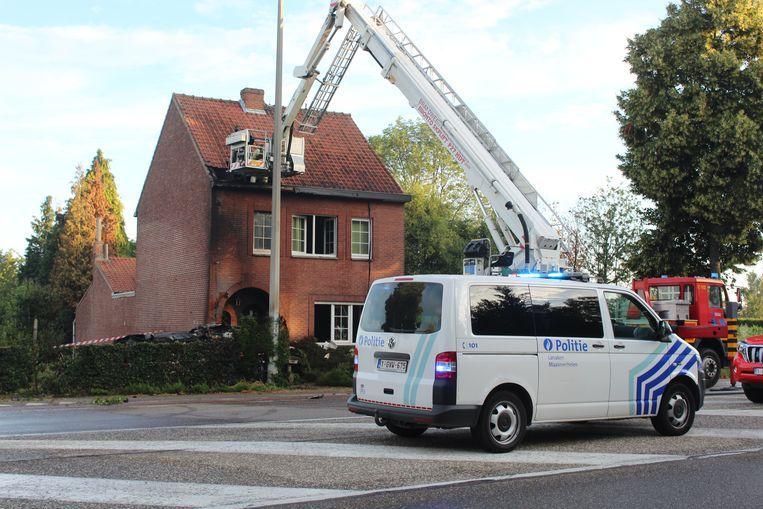 Brandweerzone Oost Limburg moest na het ongeval ook de woning komen blussen