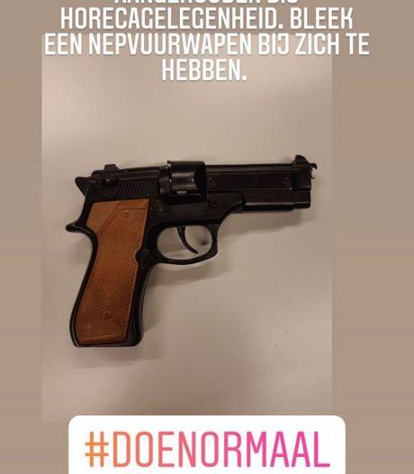 Man op Brink Deventer opgepakt met nepvuurwapen