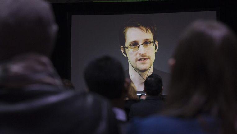 Snowden tijdens een videoconferentie. Beeld reuters