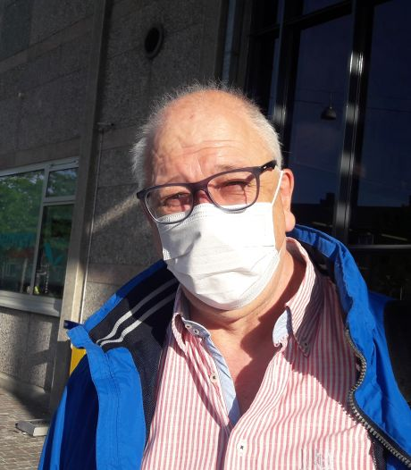 Treinreizigers in Zutphen dragen mondkapjes omdat het nou eenmaal moet: 'Volgens mij had het ook best zonder gekund'