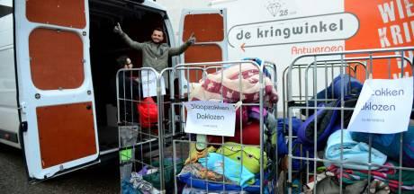 Kringwinkel en CAW slaan handen in elkaar: grootschalige inzamelactie slaapzakken voor daklozen