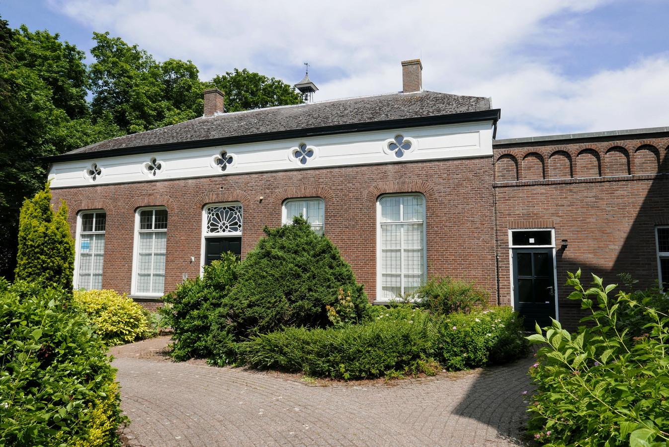 Te koop voor 595.000 euro, de pastorie aan de Dorpsstraat in Esch