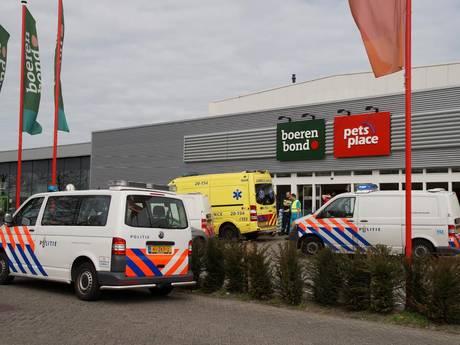 Zwaargewonde en arrestatie bij vechtpartij in Boerenbond in Waalwijk