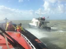 Reddingboot KNRM Breskens rukt uit voor vastzittende ankerketting