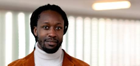 Rapper Akwasi fileert Afrika Museum: 'Kan een museum over Afrika gerund worden door witte mensen?'