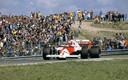 Niki Lauda in actie op Zandvoort. Hij is de laatste winnaar van de Nederlandse Grand Prix