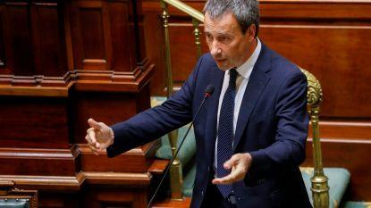 """Minister van Defensie Philippe Goffin (MR) verdedigt keuze voor Luxemburgs postbusbedrijf bij bestelling mondmaskers: """"Regels werden nageleefd"""""""