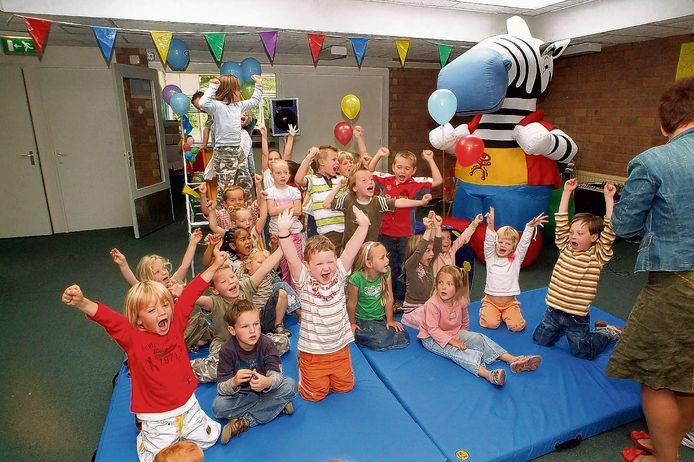 Leerlingen van De Springplank in Fijnaart kunnen de komende twee vakantieweken meedoen aan een extra leerprogramma met volop ruimte voor sport en spel.
