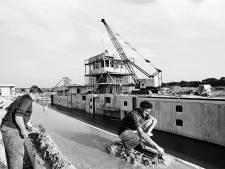 'We hebben de trein al gemist, nu moeten we niet ook nog het kanaal missen'