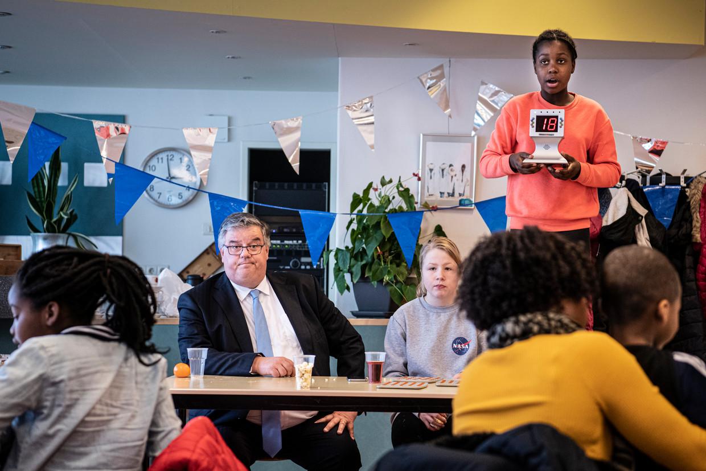 Hubert Bruls, burgemeester van Nijmegen, gebruikt de bingo's in zijn stad om in contact te komen met 'het midden van de gematigdheid'.