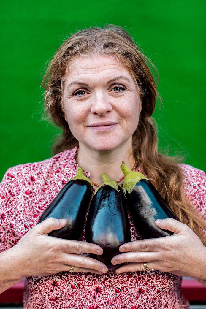 Portret van Esther Erwteman.
